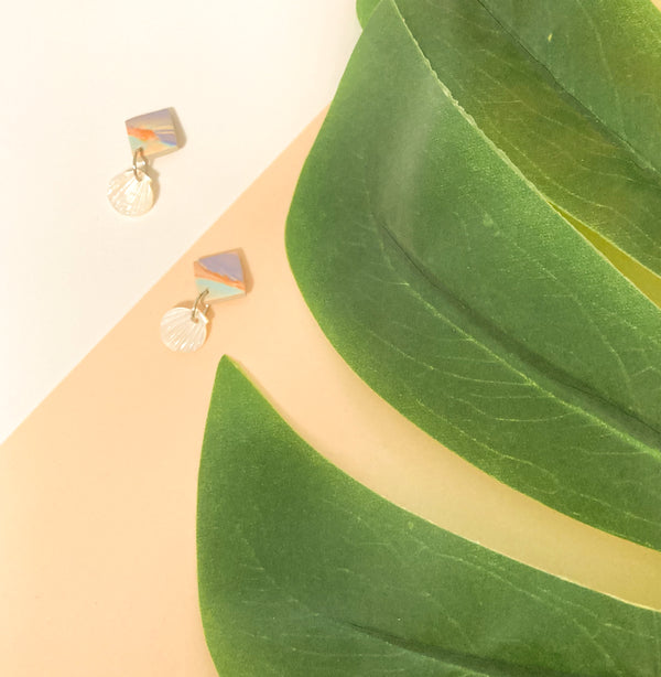 Seashells by the Seashore Studs (Pearl)