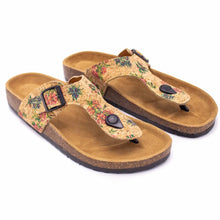 Load image into Gallery viewer, Natural Cork Flower Pattern Sandal - Meraki Cole Company