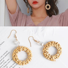 Load image into Gallery viewer, Straw Round Circle Drop Earrings