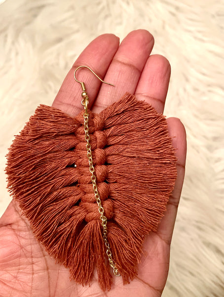 New Fall Macramé Feather Earrings with Gold Chain