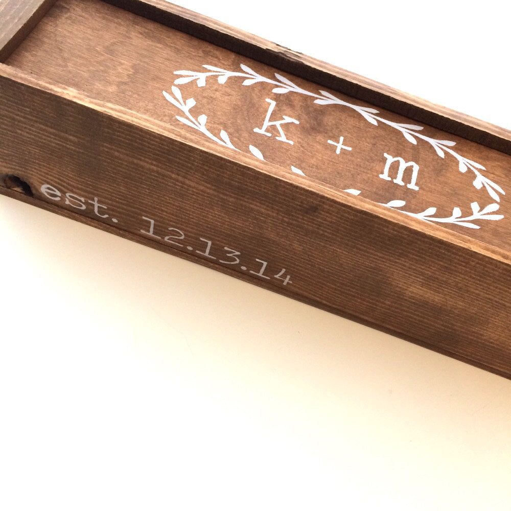 WINE BOX - INITIALS