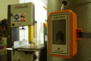 airflow indicator in use with dust extraction machine