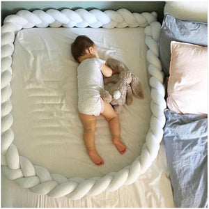 Fluffy And Colorful Knotted Baby Sleep Bumper - Fluffy And Colorful Knotted Baby Sleep Bumper