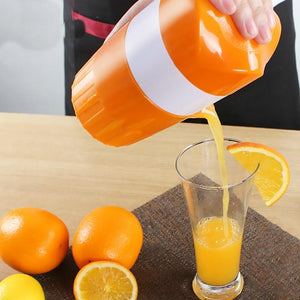 Orange and Lemon Manual Fruit Juicer and Squeezer-TrendyVibes.CO