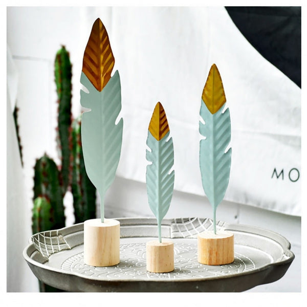 Nordic Modern Ornaments Metal Wooden Craft Feather Modeling Pen Sculpture