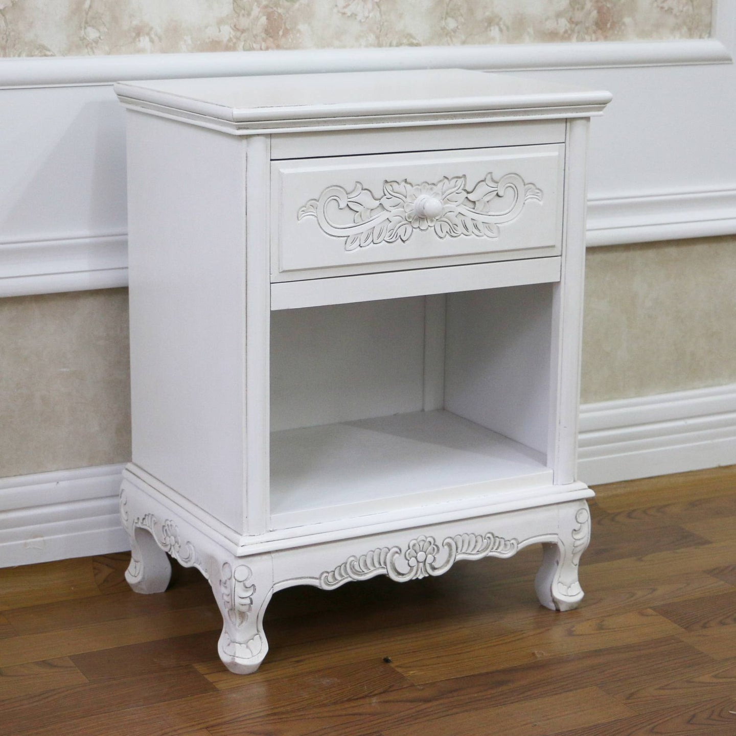 Windsor Hand Carved Wood 1-drawer Table Antique White