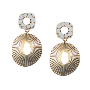 ZENIA OVAL EARRING WITH WHITE GEOMETRIC POST