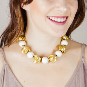 LUNA NECKLACE IN GOLD AND IVORY