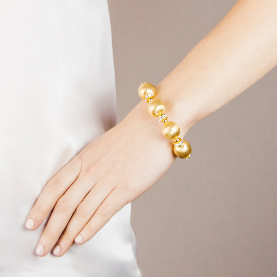 VIVIENNE BANGLE IN GOLD