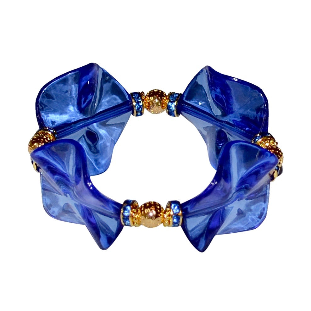 LILLY BRACELET IN LIGHT COBALT LUCITE