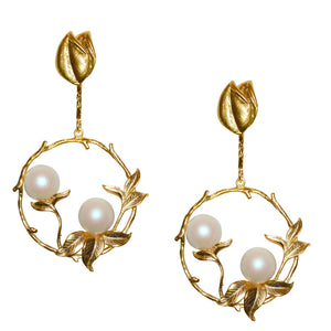 HOLLY DROP HOOP EARRING WITH PEARLS
