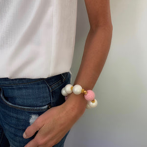 CAMILLA STATEMENT BRACELET IN MATTE PEARL AND PINK