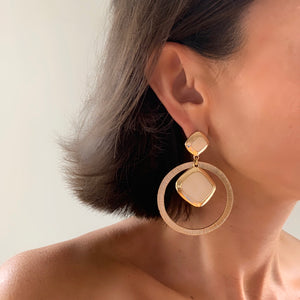 ZOE DROP HOOP EARRING IN IVORY