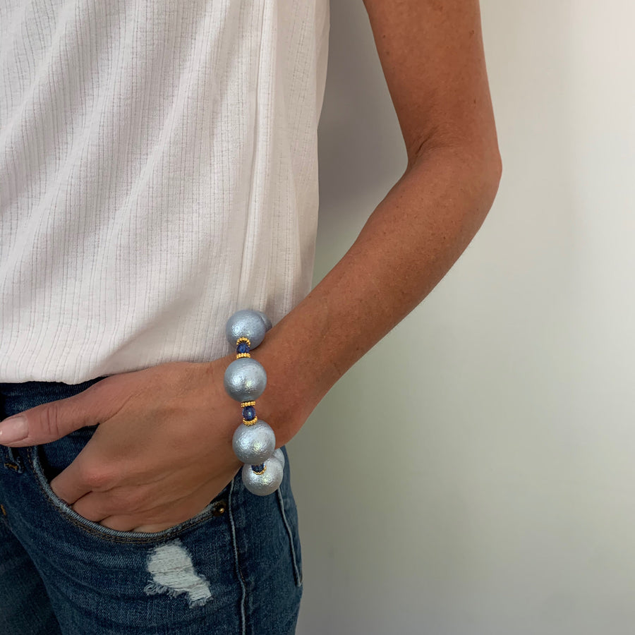 ARIA STATEMENT BRACELET IN LIGHT BLUE WRINKLE PEARL