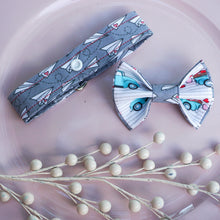 Load image into Gallery viewer, Special Delivery // Reversible Bow Tie