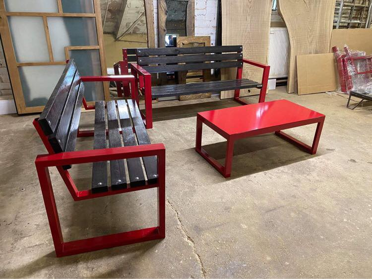 OUTDOOR TABLE AND BENCHES 243