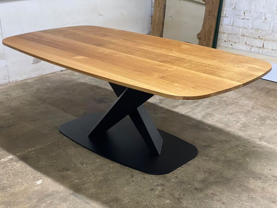 DINING TABLE 251