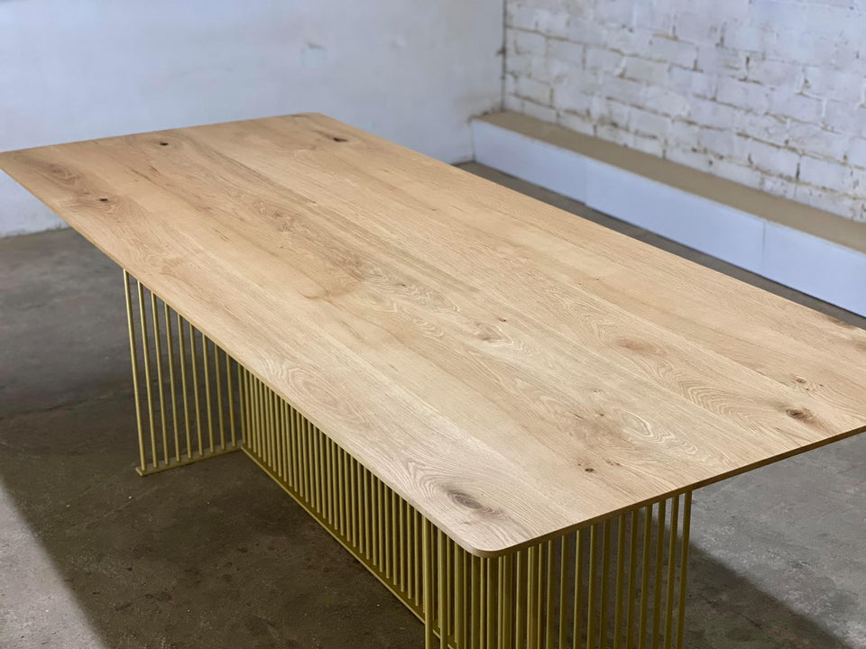 DINING TABLE  274