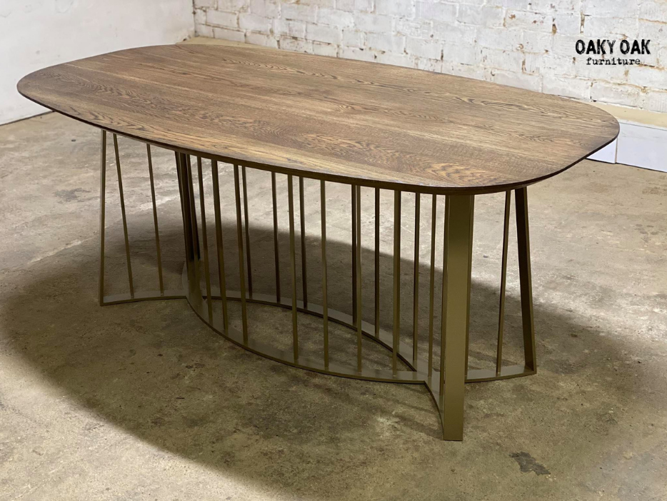 DINING TABLE 262