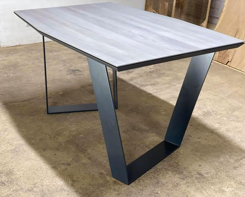 DINING TABLE 304