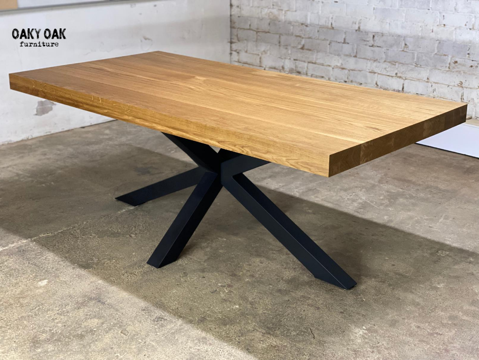 DINING TABLE 252