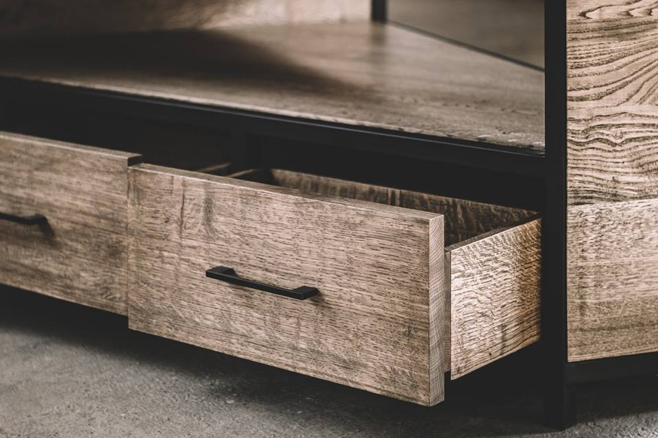 CHEST OF DRAWERS 030