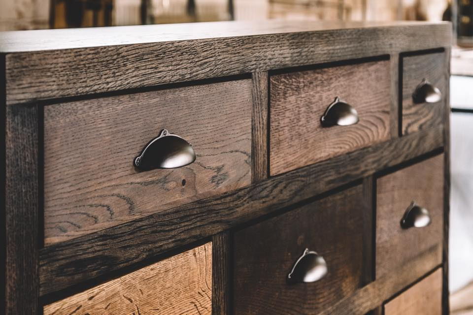 CHEST OF DRAWERS 027