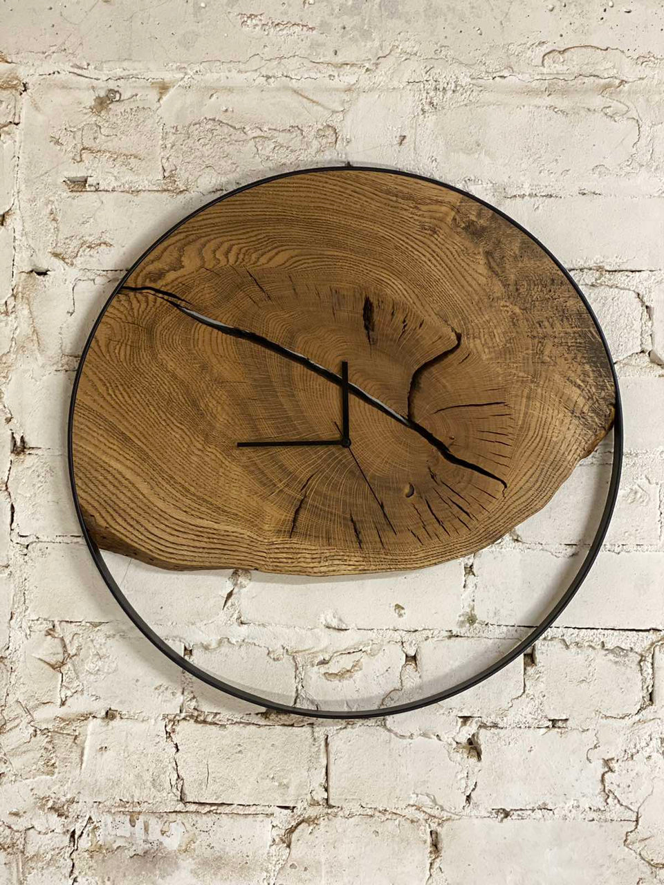 OAK WOOD WALL CLOCK 357