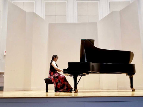 Sisi Liu performing at Manhattan School of Music