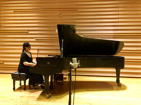 Sisi Liu performing on a Steinway piano at the 2018 New York Piano Festival at DiMenna Center for Classical Music
