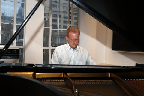 Pianist Steve Beck playing on Park Avenue Pianos Steinway model L