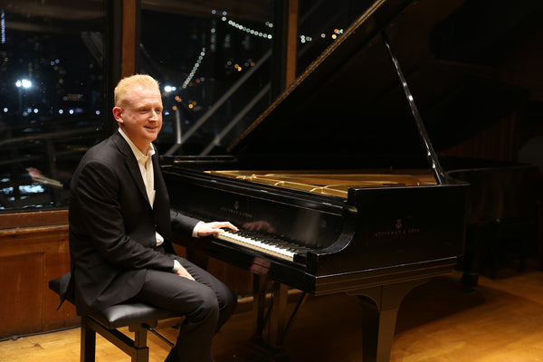 Pianist Steven Beck at Bargemusic