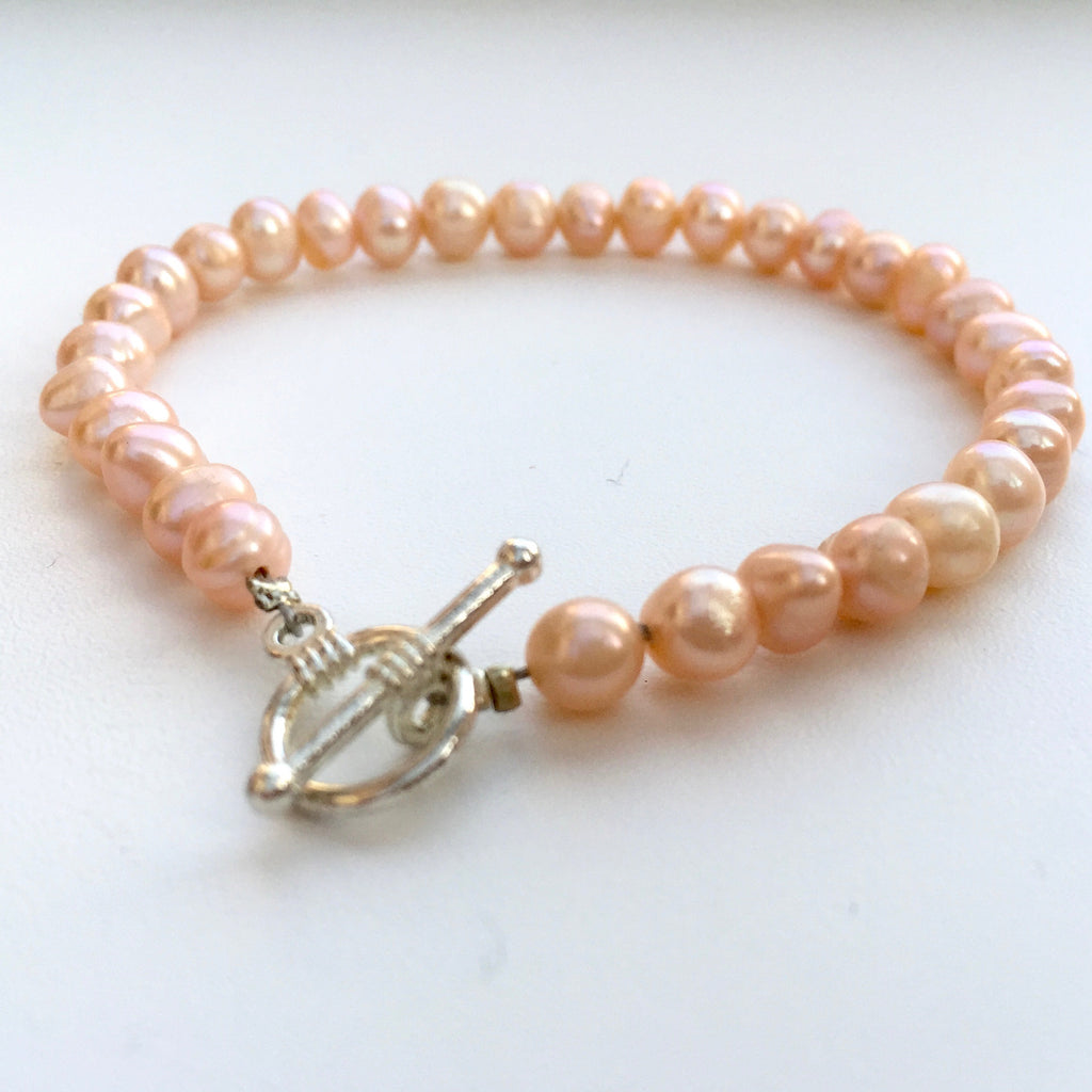 Peach Freshwater Round Pearl Bracelet
