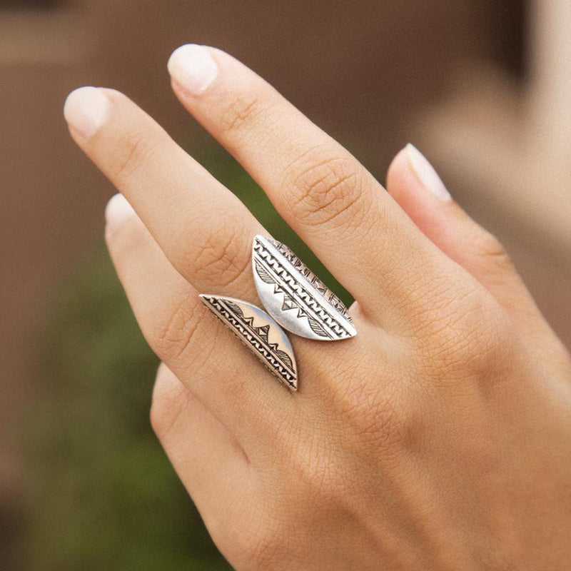 Grey Window Ring