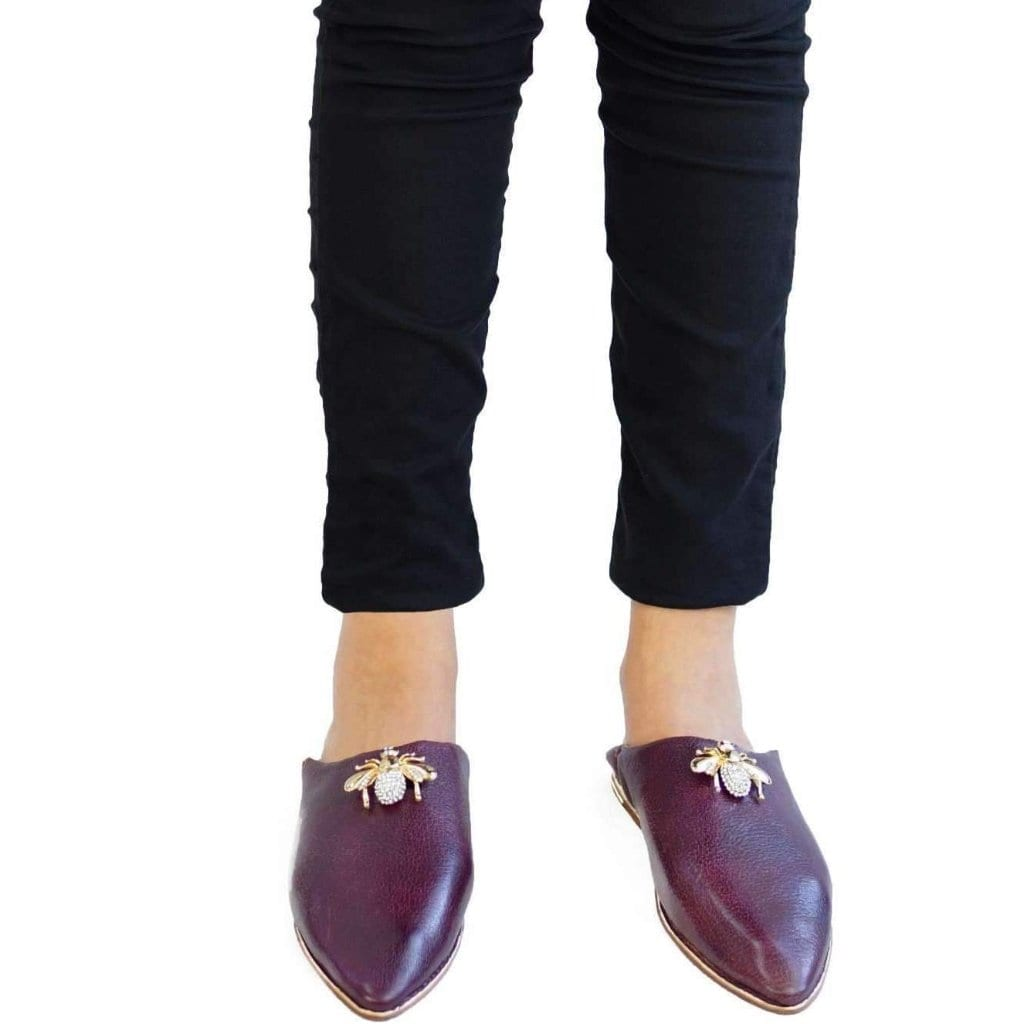 Women Moroccan Slipper in Burgundy with Bee Ornament