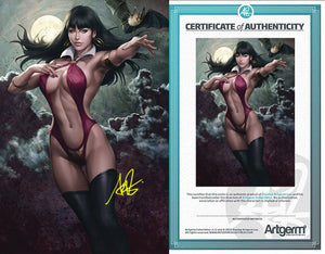 Signed with Metal COA Vampirella #4 Virgin (PRE-ORDER - 10/16/2019 release date)