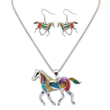Load image into Gallery viewer, Horse Hippie Pendant Set