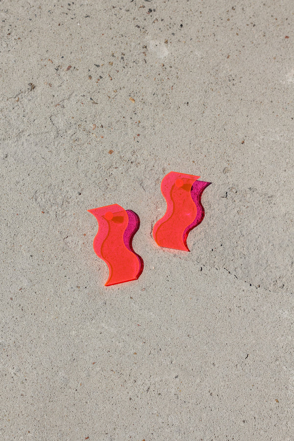 Squiggle Earring - Fluorescent Pink