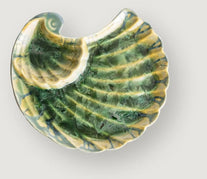 Seaware shells and other dishes