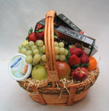 Seasonal fruits & savory hamper