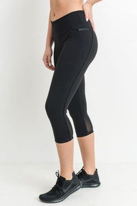 Capri Leggings with Zippered Pockets and Mesh Back Panel