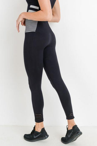 Seamless Highwaist Striped & Perforated Leggings