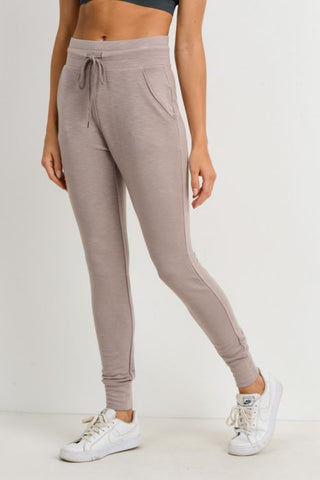 Highwaist Slim-Fit Cuffed Joggers
