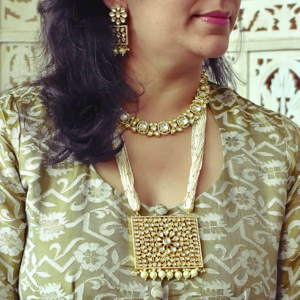 Sleek Kundan Choker Set