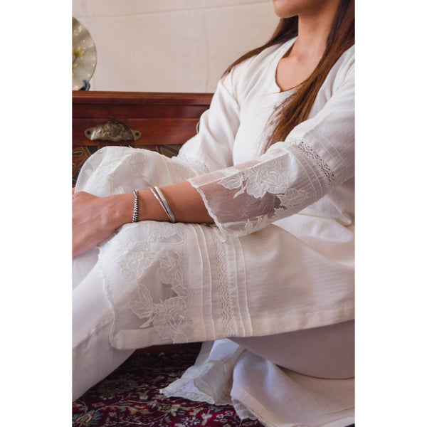 Off-White Rosebud Kurta Set