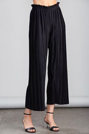 Model wearing Sundays Pleated Loose Pant front view