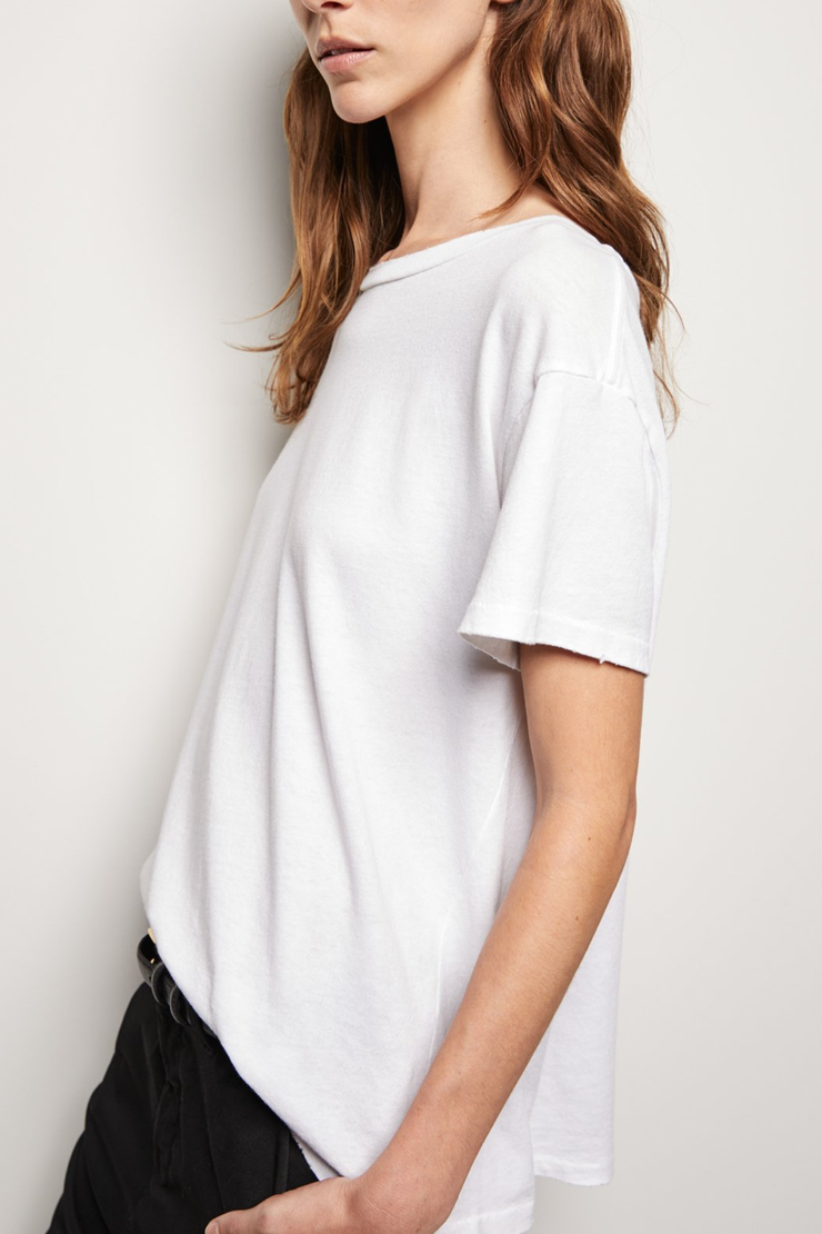 Model wearing Nili Lotan Brady tee in white side view
