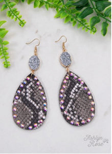 Going Wild Pendant & Druzy Earrings, Black Snakeskin