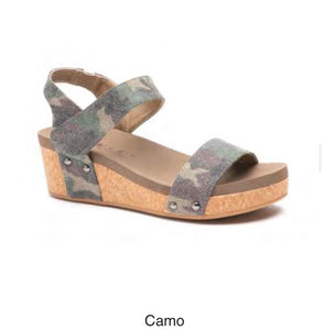 Corky's Slidell Sandal in Distressed Camo