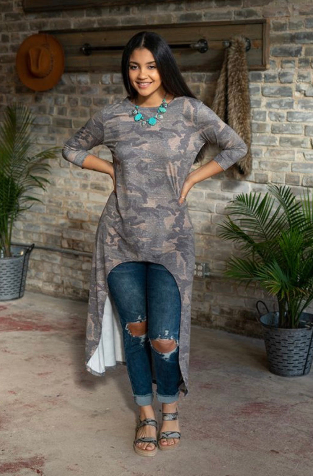 VINTAGE CAMO SCOOP NECK HIGH LOW TUNIC